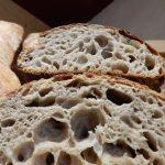 Farines T80, seigle intégral, levain de blé, gros sel de Guérande - Pain de consommation courante, avec léger goût de noisette - Suggestions : idéal pour un grand buffet campagnard, les charcuteries et les fromages doux